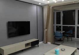 華城新都精裝修,三房兩廳兩衛,133平方,2300一個月,一年起租