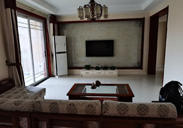 御湖天下精裝修,三房兩廳兩衛,137平方,證滿二,急賣60萬